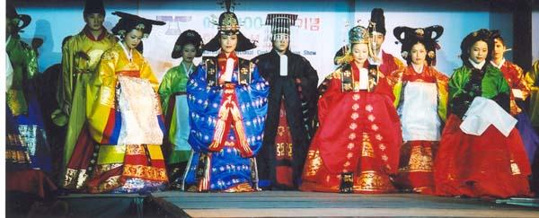 Broderia coreeana  KoreanFashionShow_09