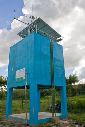 "Solar pump used to irrigate vegetable farms in Lewa, Sumba Island, Indonesia. (Photo: <a href=""https://bit.ly/2xOQnP2"">Asian Development Bank via Flickr</a>, 2014; cropped). <a href=""https://goo.gl/vBgtNb"">CC BY-NC-ND 2.0</a>"