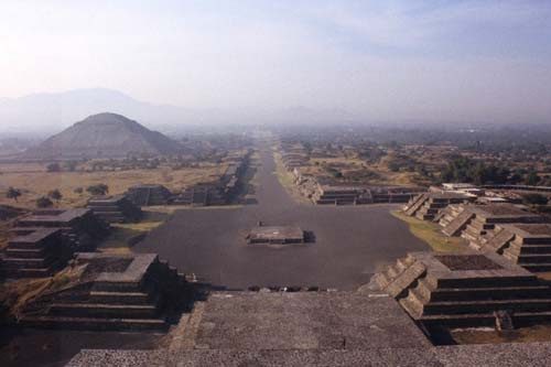 Palaces and Pyramids in an Ancient Mexican City