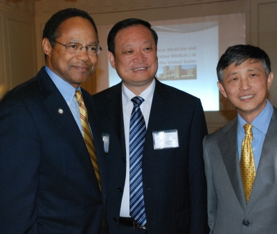 East-West Collaboration Brings Top Chinese Health Official to Campus