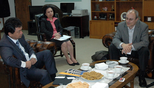 Indonesian Ambassador Meets With Campus Leaders