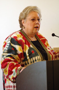 Cheri Hunter of the Textile Museum Associates of Southern California, a conference cosponsor, addresses the audience.