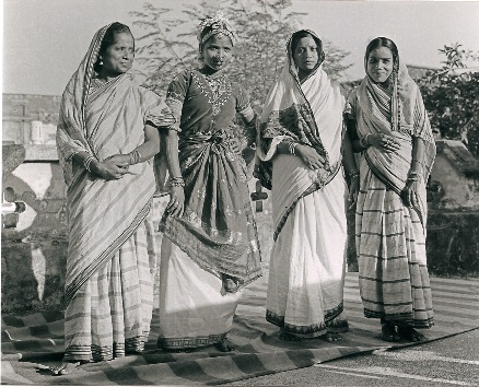 Performances of Extraordinary Gender in Mahari Dance